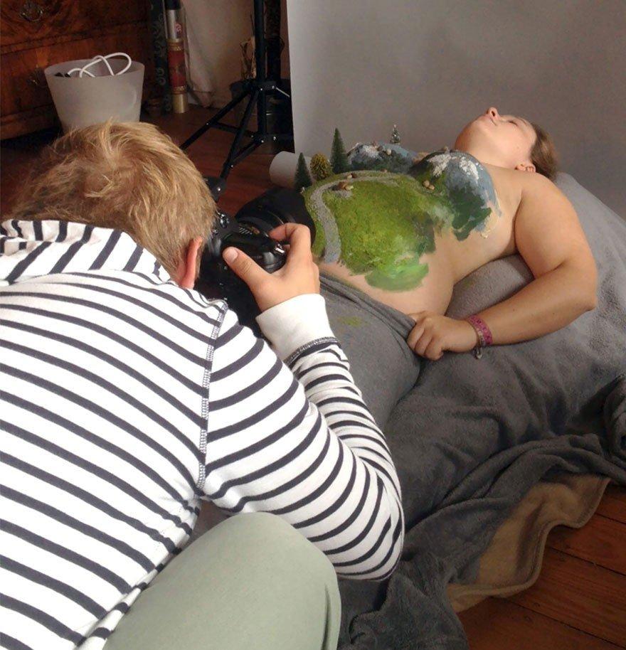 Iespējams, pati oriģinālākā foto sesija ar grūtnieces vēderu