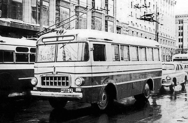 Leģendārie 'rafiņi' – 10 stilīgi Rīgas Autobusu Fabrikas busiņi