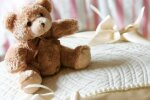 Jaunbērzes negadījumā bojāgājušās sievietes bērni no krīzes centra nodoti tēva gādībā