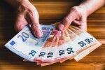 Из-за рождественских праздников пенсии и пособия в этом году выплатят раньше