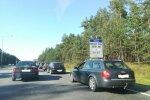 Foto: Rudens pirmajā dienā pie iebraukšanas Jūrmalā izveidojies brangs sastrēgums