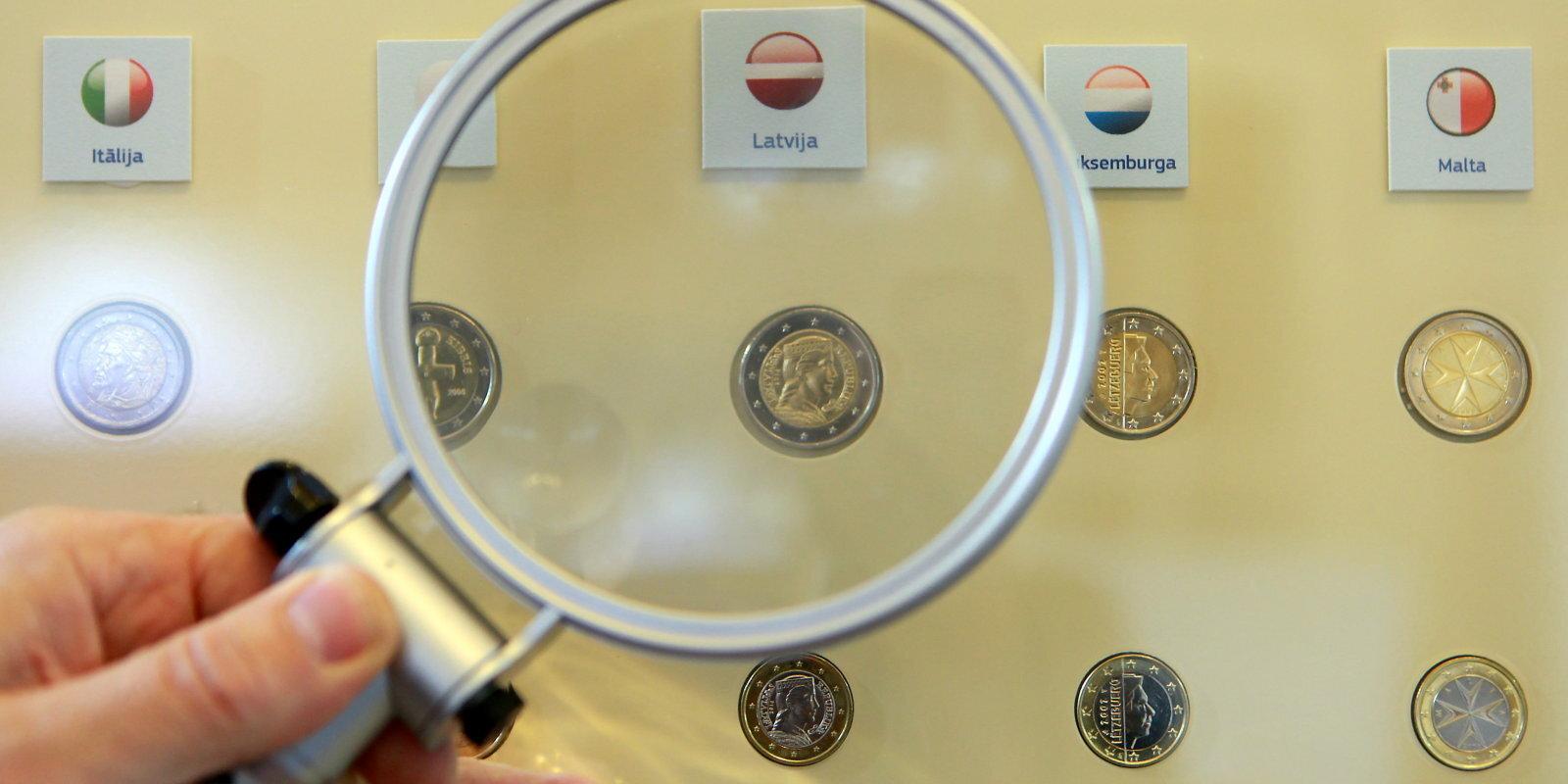 Везде платят больше? Экономисты — о том, что произойдет с зарплатами в Латвии в 2020 году