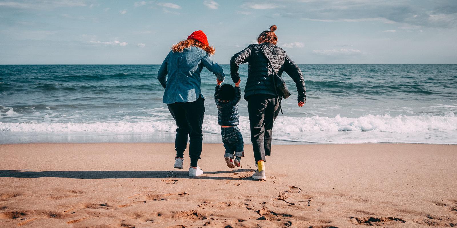 Две мамы. Как живут однополые пары с детьми в Латвии