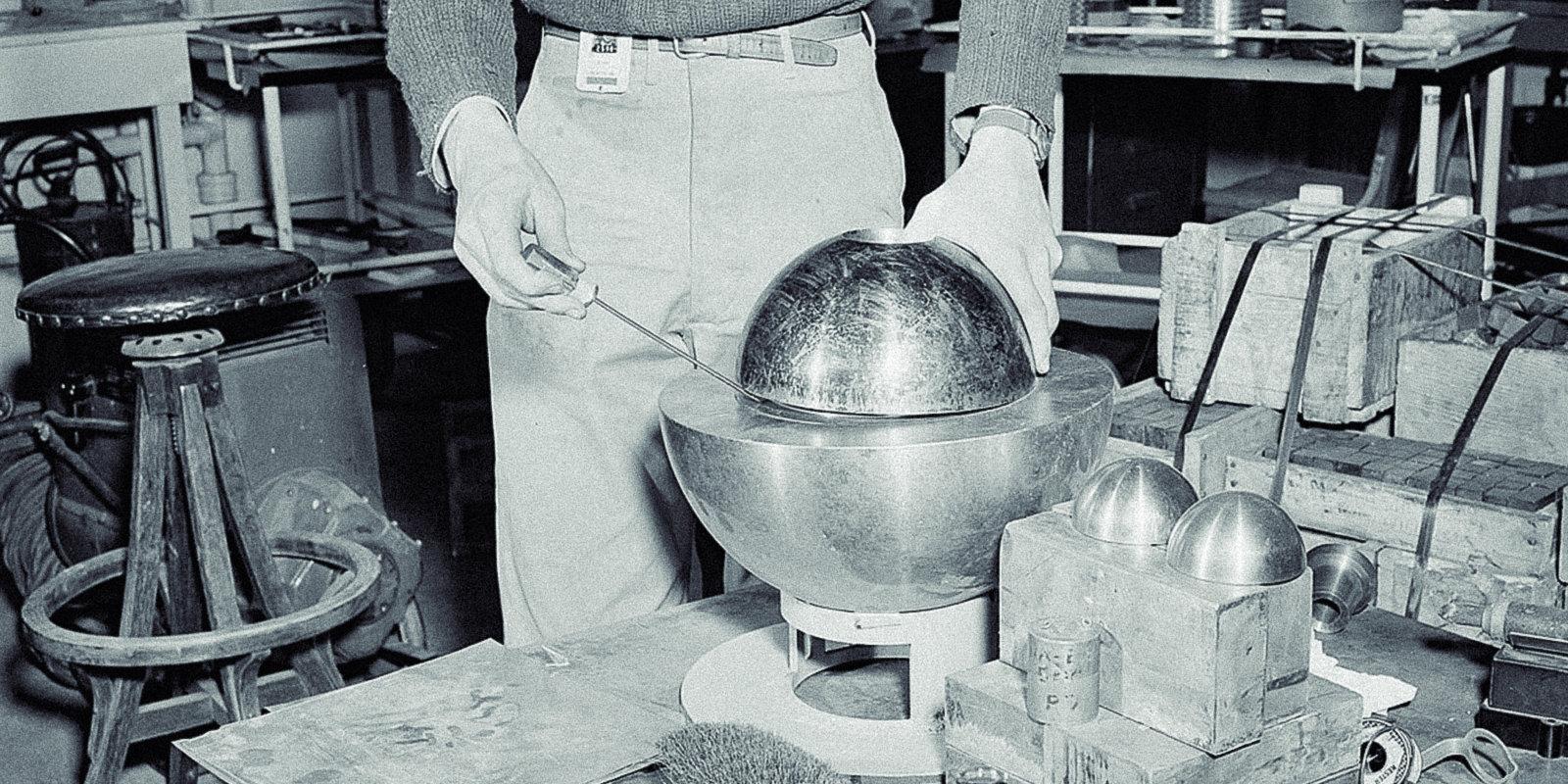 Rotaļas ar radiāciju jeb kā 'dēmona kodols' nogalināja divus jaunus fiziķus