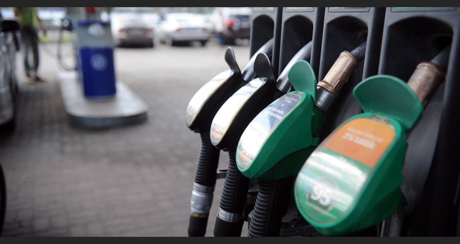 Pēteris Strautiņš: Kas notiek ar degvielas un naftas cenām