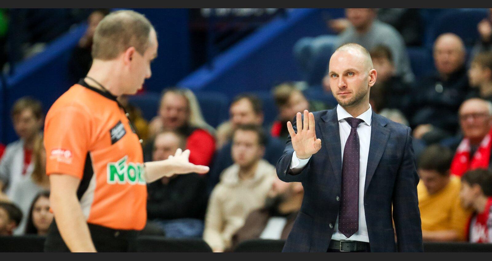 Titulēts menedžeris glābj basketbola sezonu Liepājā. Saruna ar Jonu Vainausku