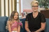 Britu TV skatītājus satrauc nepiedienīgi sapucēta mazulīte