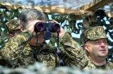 Porošenko: Kerčas tilts okupantiem noderēs, kad būs steidzami jāpamet Krima
