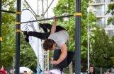 Foto: Pasaules ielu vingrotāju elite demonstrē savas spējas Jūrmalā
