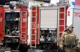 Ugunsdzēsēji likvidē ugunsgrēku Viļānos; Daugavpilī izglābj gulbi