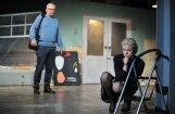 Foto: Nacionālajā teātrī pirmizrādi piedzīvos Terensa Retigana 'Dziļā, skumjā jūra'