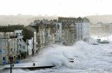 Foto: Francijai, Īrijai un Lielbritānijai pāri traucas vētra 'Eleonora'