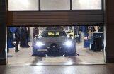 Foto: 'Bugatti Veyron' tehniskajā apskatē Rīgā