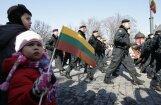 Литовские добровольцы замерзают на учениях: синие ноги и ночлег в туалетах