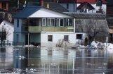 Arī Daugavpilī pie upes krastiem applūdušas mājas