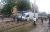 Foto: Teikā notikusi tramvaja un minibusa avārija