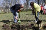 ФОТО: Тысячи жителей Латвии вышли на Большой субботник