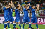 Itālija dramatiskā cīņā 11 metru sitienu sērijā nodrošina vietu pusfinālā