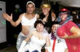 Foto pērles no Krievijas: kā laucinieki svin kāzas