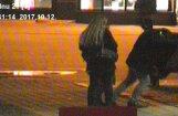 Policisti stiprā dzērumā esošu tūristu nogādā līdz viesnīcai