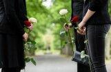 Amata noslēpumi - bēru muzikants: bērnība kapos, polšs zārkā un Pauls uz atvadām