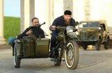 Video: Kadirovs ar militāro parādi Groznijā demonstrē Čečenijas spēku