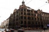 Rīgas dome negrasās atjaunot Marijas ielas graustu, pauž Burovs