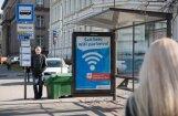 Raidījums: monopols reklāmas izvietošanai RS pieturās varētu izzust pēc septiņiem gadiem