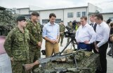 ФОТО: Кучинскис и Трюдо посетили военную базу в Адажи