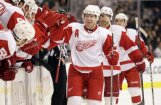 'Red Wings' hokejisti kā pirmie iekļūst Stenlija kausa ceturtdaļfinālā
