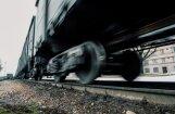 Tukumā sievieti sabrauc vilciens