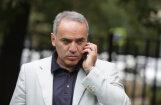 Каспаров возвращается в большие шахматы, Илюмжинов — против
