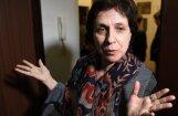 Krievijas varasiestādes veic kratīšanu žurnālistes un cilvēktiesību aizstāves Zojas Svetovas dzīvoklī