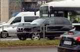 Foto: 'BMW X5' un autobusa sadursme iepretim tirdzniecības centram 'Origo'