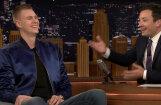 Video: Porziņģis plēš jokus Džimija Falona šovā