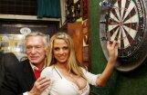 Teritorijas 'iezīmēšana' un atteikums Hefneram: britu seksbumbas dzīve 'Playboy' villā