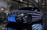 Video: 'Lexus IS' pārklāts ar 42 tūkstošiem gaismas diožu