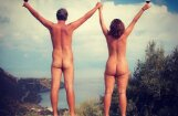 ФОТО: Семья нудистов посетила семь стран без одежды