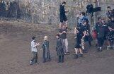 Foto no 'Troņu spēles' uzņemšanas laukuma: satiekas divi svarīgi tēli