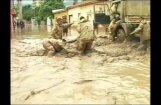 Video: Vienu no sausākajiem pasaules reģioniem piemeklē smagi plūdi