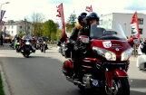 Foto: Kā 'vēja brāļi' Valmierā ierūcina jauno motosezonu