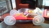 Kad McDonaldā kļūst garlaicīgi...