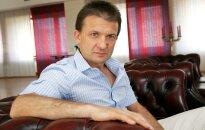 Neglābjami uz mūžu slimais Vaškevičs sūdzas par draudiem internetā