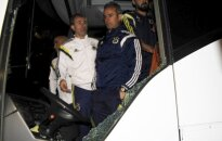 Turcijā apšaudīta futbola čempionvienība 'Fenerbache'; šoferis nogādāts slimnīcā