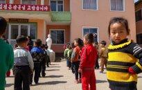 Lietuvietis Ziemeļkorejā: pat laikraksti ar līderu attēliem jāloka tā, lai nesaburzītu foto
