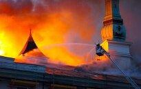 Rīgas pils ugunsgrēks: Kā naktī uz 21.jūniju cīnījās ar liesmām. Teksta tiešraides arhīvs