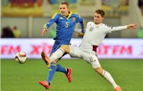 Latvijas futbola izlase kompensācijas laikā izrauj neizšķirtu pret Ukrainu