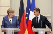 Sarkozī un Merkele vienojas par papildu nodokli finanšu darījumiem un 'eirozonas valdību' (plkst.0:30)