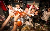 Ar slavenību ballīti Rīgā atklāj pirmo kokteiļbāru