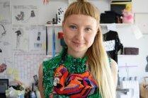 Ar apģērbu līniju par dzimumu vienlīdzību – Malvīne un viņas pašmāju darinājumi